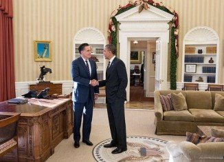 Barack Obama has met defeated Republican presidential candidate Mitt Romney for a private lunch at the White House