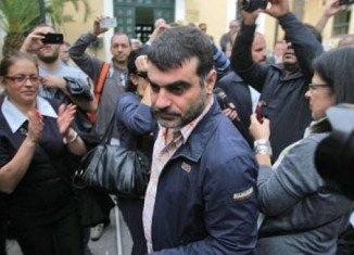 Greek journalist Costas Vaxevanis has been acquitted of breaching privacy for publishing the names of 2,000 suspected tax evaders