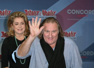 Catherine Deneuve has defended fellow movie star Gerard Depardieu over his move to Belgium