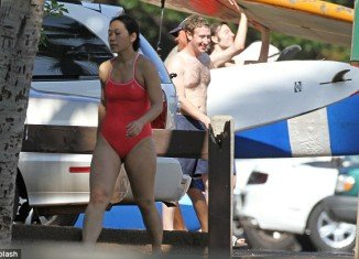 Mark Zuckerberg and Priscilla Chan celebrate their first Christmas as married couple in Hawaii