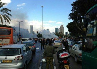 At least four people were injured in a car explosion in the Israeli city of Tel Aviv, on Menachem Begin Street, a major thoroughfare