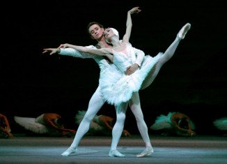 Bolshoi top ballerina Svetlana Lunkina has revealed she has moved to Canada amid claims of threats to her husband