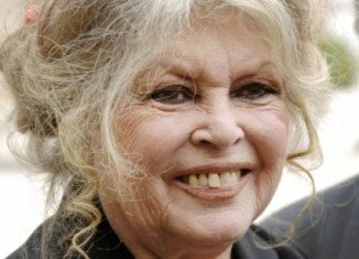 Brigitte Bardot has threatened to apply for Russian citizenship unless France stops two sick zoo elephants from being put down