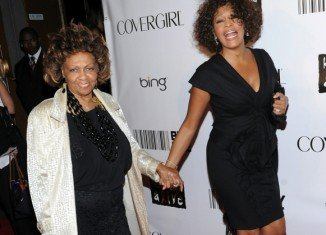 Cissy Houston has told how she forced daughter Whitney into rehab after finding the singer's home had been turned into a drug den