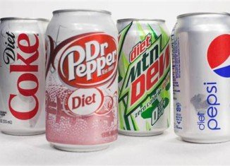 Experts are questioning whether diet drinks could raise depression risk, after a large study has found a link