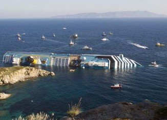 The wreck of the Costa Concordia cruise ship in Italy will be removed by September at the latest