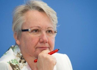 University of Duesseldorf is to investigate allegations that German Education Minister Annette Schavan plagiarized parts of her doctoral thesis in 1980