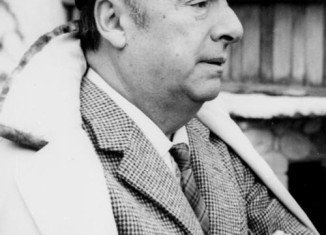 A Chilean court has ordered the exhumation of the remains of poet Pablo Neruda, as part of an inquest into his death in 1973