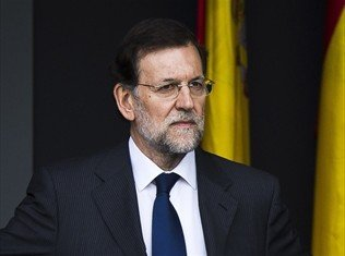 PM Mariano Rajoy has strongly denied Spanish media claims that he and other members of the governing Popular Party received secret payments