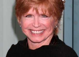 Bonnie Franklin, who played a single mom at the center of the hit TV sitcom One Day At A Time, died Friday of complications from pancreatic cancer at the age of 69