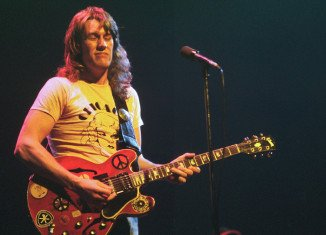 Guitarist Alvin Lee, a member of the band Ten Years After, has died aged 68