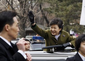 """Newly elected South Korean President Park Geun-hye has warned that the country is facing """"unprecedented"""" political deadlock which is hampering economic progress"""