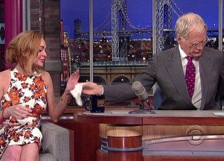 An emotional Lindsay Lohan who broke down in tears appeared on The Late Show With David Letterman on Tuesday night