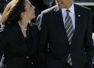 President Barack Obama is being accused of sexism for publicly remarking on California Attorney General Kamala Harris's good looks at a fundraiser in San Francisco