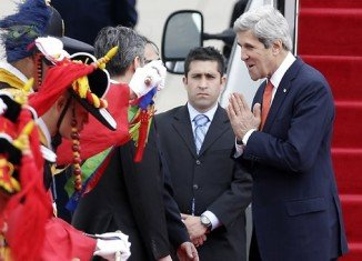 US Secretary of State John Kerry has arrived in Seoul for talks on the escalating tensions on the Korean peninsula