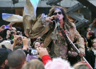Aerosmith has cancelled a concert in the Indonesian capital Jakarta over safety concerns
