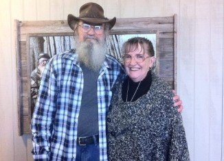 Although Si Robertson's wife Christine chose not to be on the program for whatever unknown reason, her whole life is now upside down with the chaos from Duck Dynasty