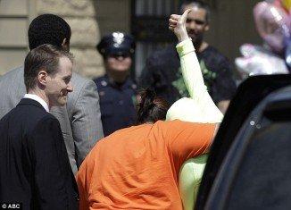 Gina DeJesus returns home after ten years in captivity