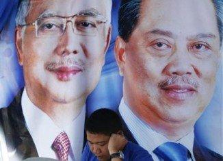 Malaysian PM Najib Razak's Barisan Nasional coalition is up against Pakatan Rakyat, a three-party alliance headed by Anwar Ibrahim