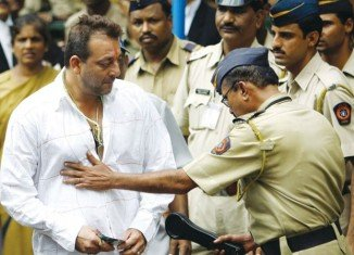 Sanjay Dutt has returned to jail to serve his sentence for firearms offences linked to 1993 blasts which killed 257 people in Mumbai