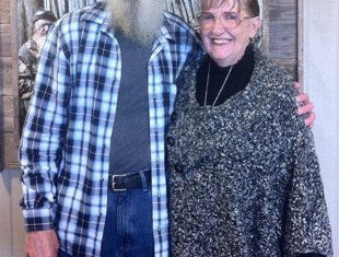 Si Robertson and his wife Christine