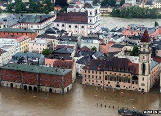 Hundreds of homes have been evacuated across southern Germany, the Czech Republic, Austria and Switzerland as rivers reach dangerously high levels
