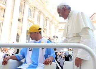 Pope Francis offered Down Syndrome teenage Alberto di Tullio a very rare privilege during his general audience