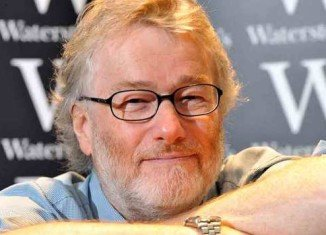Scottish writer Iain Banks has died aged 59, two months after announcing he had terminal cancer
