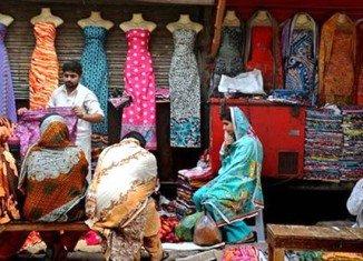 Pakistani women banned from shopping alone