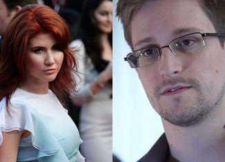Russian spy Anna Chapman has proposed marriage to NSA leaker Edward Snowden via Twitter