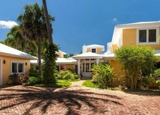 A man has shot himself dead at Olivia Newton-John's Florida home
