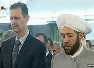 Bashar al-Assad unharmed at a prayer service at a Damascus mosque to mark the end of Ramadan