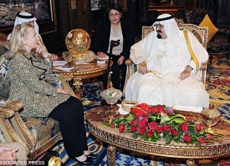 Hillary Clinton received $500,000 diamond-and-ruby-encrusted jewels from Saudi Arabia King Abdullah bin Abdul Aziz