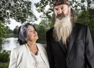 Phil and Miss Kay Robertson make it official, 50 years later