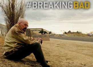 Apple has decided to refund fans of TV show Breaking Bad after a mix-up over the number of episodes in its final season