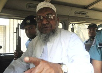 Bangladesh's Supreme Court has rejected the appeal of Abdul Kader Mullah against his jail term for war crimes and sentenced him to death