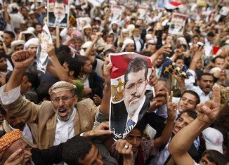Egypt's new government has decided to press ahead with the legal dissolution of the Muslim Brotherhood