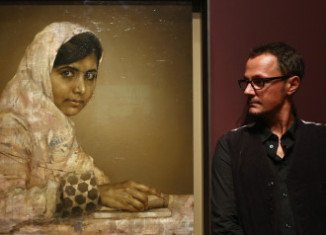 Malala Yousafzai portrait by Jonathan Yeo is to go on display for the first time at the National Portrait Gallery in London