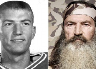 Phil Robertson, who played quarterback at Louisiana Tech, was the first string quarterback ahead of Terry Bradshaw and set a record of passing in a single game
