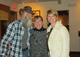 Si Robertson with wife Christine and their daughter Trasa Cobern