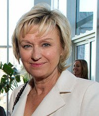 Tina Brown has announced she is leaving the online news magazine The Daily Beast.
