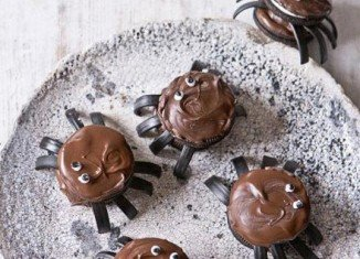 Chocolate spider cookies