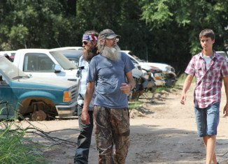 John Luke Robertson totals his father's truck, and Willie Robertson realizes he may be raising the two worst drivers in all of Louisiana