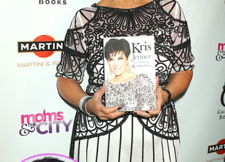 Kris Jenner openly cheated on Bruce Jenner with her former flame Todd Waterman while she was alone in Mexico vacation