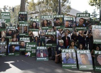 Piracy charges against 30 Greenpeace activists will be replaced with hooliganism charges