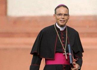 Vatican has decided to suspend Bishop of Limburg Franz-Peter Tebartz-van Elst over his alleged lavish spending