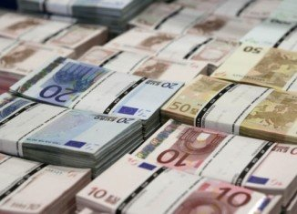 Negotiators in Brussels have clinched a deal on the 2014 EU budget after a night of hard talks