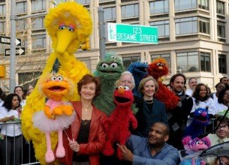 Sesame Street Day 2009 marked the 40th anniversary of the show's first broadcast on November 10, 1969