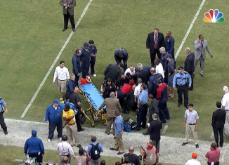 Texans coach Gary Kubiak collapsed as he was running off the field at halftime at Reliant Stadium Sunday night