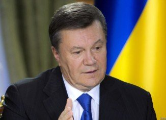 Viktor Yanukovych froze plans to sign Ukraine's trade deal, saying the EU was not offering adequate financial aid